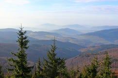 Pico de Mogielica - Beskid Wyspowy, Polônia Fotos de Stock