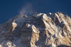 Pico de montaña de Annapurna I en la puesta del sol, 10mo pico más alto del mundo, AB Foto de archivo libre de regalías