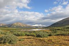 Pico de montaña de Colorado de la opinión del valle Foto de archivo libre de regalías