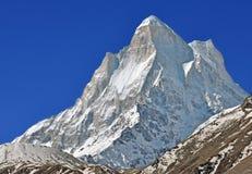 Pico de montaña de Shivling Imagen de archivo libre de regalías