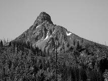 Pico de montaña rugoso Fotos de archivo