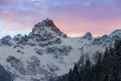 Pico de montanha Áustria do por do sol imagem de stock