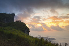 Pico de montanha do Fahrenheit do chee de Phu no nascer do sol Fotos de Stock Royalty Free