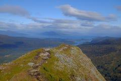 Pico de montanha na ilha do Kodiak, Alaska imagens de stock