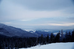 Pico de montanha nevado na manhã Fotos de Stock