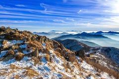 Pico de montanhas no inverno, Coreia de Deogyusan Lanscap do inverno foto de stock