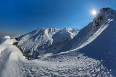Pico de Negoiu en invierno Imágenes de archivo libres de regalías