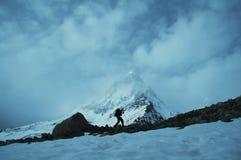 Pico de Shivling en Himalayan Imagenes de archivo