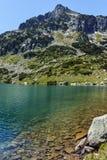 Pico de Sivrya e lago Popovo Imagem de Stock
