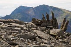 Pico de Snowdon visto da montanha de Glyder Fawr Fotos de Stock Royalty Free