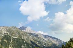 Pico de Vihren en la montaña de Pirin, Bulgaria Imagen de archivo libre de regalías