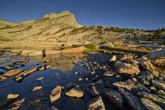 Pico del norte del soporte Conness en madrugada Fotografía de archivo