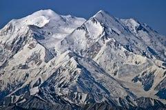 Pico del norte y sur del Mt McKinley Imagen de archivo libre de regalías