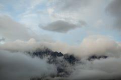 Pico del soporte en nubes Fotografía de archivo libre de regalías