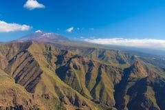 Pico del Teide con las montañas de Teno, Tenerife, España Fotos de archivo