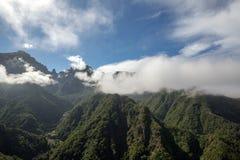 Pico do Arieiro που βλέπει από την άποψη Balcoes, Ribeiro Firo, Μαδέρα, Στοκ Εικόνα
