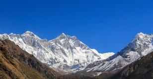 Pico do dablam de Ama em trekway de nepal no passeio na montanha de everest Foto de Stock Royalty Free