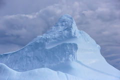 Pico do iceberg Imagem de Stock Royalty Free
