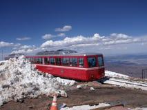 Pico dos piques da estrada de ferro de roda denteada em Colorado foto de stock royalty free