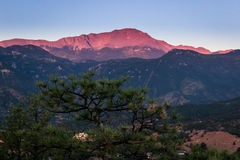 Pico dos piques no nascer do sol Imagens de Stock Royalty Free