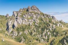 Pico dramático da montanha rochosa Imagens de Stock Royalty Free
