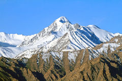 Pico elevado nos himalayas Foto de Stock Royalty Free