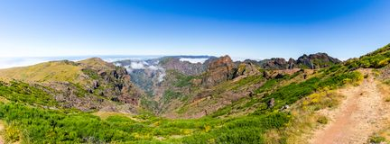 Pico gör den Arieiro panoramautsikten, madeira hög bildupplösning för illustration 3d Fotografering för Bildbyråer