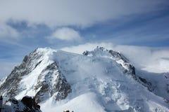 Pico nevado de Mont Blanc de la plataforma de observación Aiguille du Midi, Chamonix, Francia fotografía de archivo
