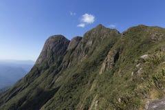 Pico Parana-berg dichtbij Curitiba - Serra do Ibitiraquire royalty-vrije stock afbeeldingen