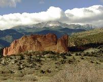 Pico vermelho da rocha w/Pikes Fotos de Stock Royalty Free