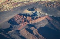 Pico Viejo火山口,火山的风景在El teide国家公园,加那利群岛,西班牙 免版税库存照片