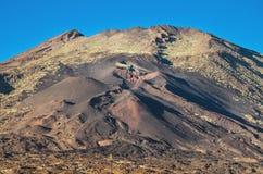 Pico Viejo krater, powulkaniczny krajobraz w El teide parku narodowym, wyspa kanaryjska, Hiszpania Obraz Stock