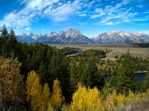 Picos ásperos do parque nacional grande de Teton fotografia de stock royalty free
