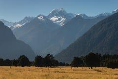 Picos alpinos en el parque nacional de Westland Imágenes de archivo libres de regalías