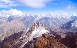 Picos coronados de nieve Fotografía de archivo libre de regalías