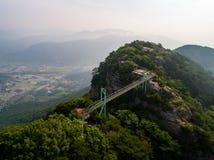 Picos de conexão da ponte de suspensão Fotos de Stock Royalty Free
