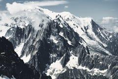 Picos de la montaña y de la nieve de Francia foto de archivo libre de regalías