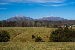 Picos de la nutria en Bedford County, Virginia, los E.E.U.U. imagenes de archivo