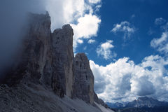 Picos de montaña imagenes de archivo