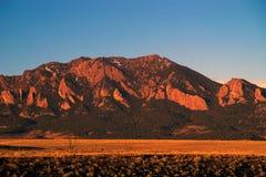 Picos de montaña en Boulder Colorado Fotos de archivo libres de regalías