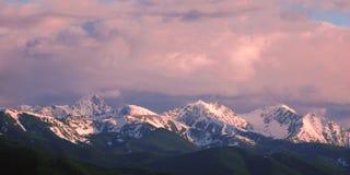 Picos de montaña de Montana Imagen de archivo libre de regalías