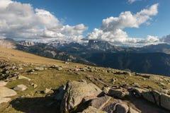 Picos de montanha acima de Val Gardena, dolomites Fotografia de Stock