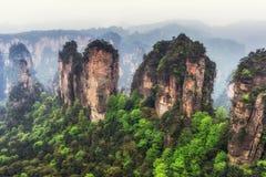Picos de montanha altos do yuanjiajie Foto de Stock Royalty Free