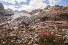 Picos de montanha em cumes franceses, Ecrins, França Fotografia de Stock