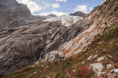 Picos de montanha em cumes franceses, Ecrins, França Fotografia de Stock Royalty Free