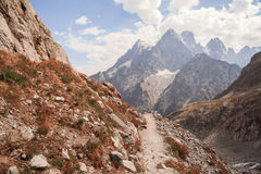 Picos de montanha em cumes franceses, Ecrins, França Imagem de Stock