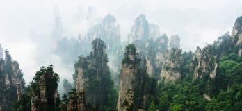 Picos de montanha em Zhangjiajie China Foto de Stock Royalty Free