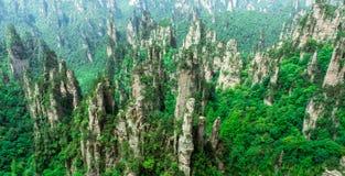 Picos de montanha em Zhangjiajie, China Fotografia de Stock