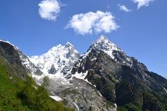 Picos de Ushba Fotos de archivo