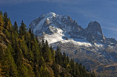 Picos en las montañas francesas Foto de archivo libre de regalías